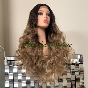 Honey blonde wig ombré dark brown roots long lace